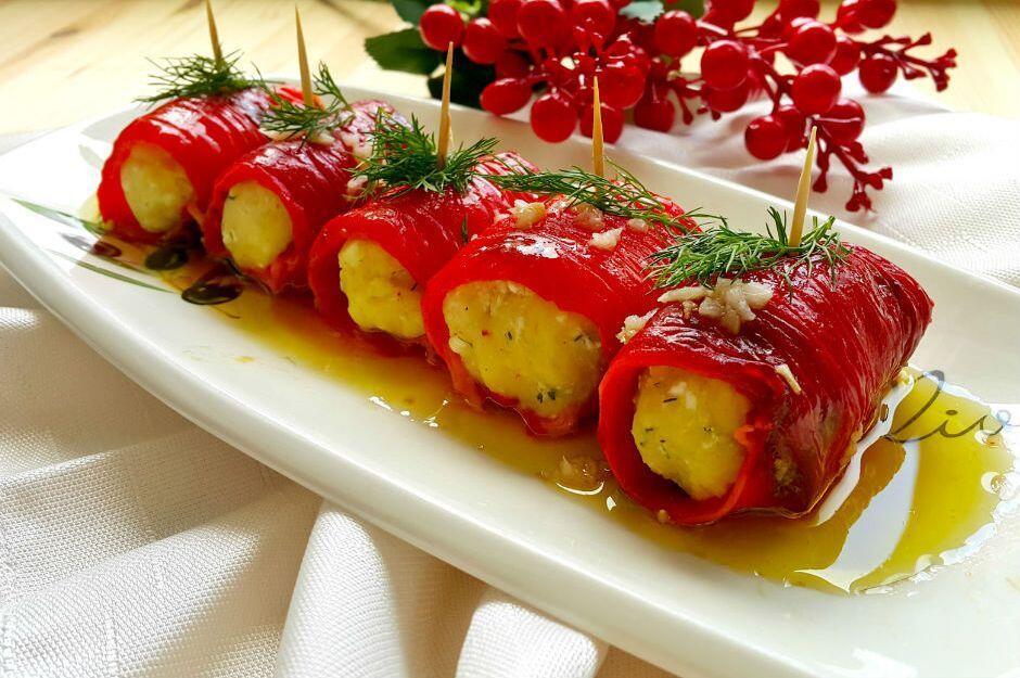 Peynirli Kırmızı Biber Sarması