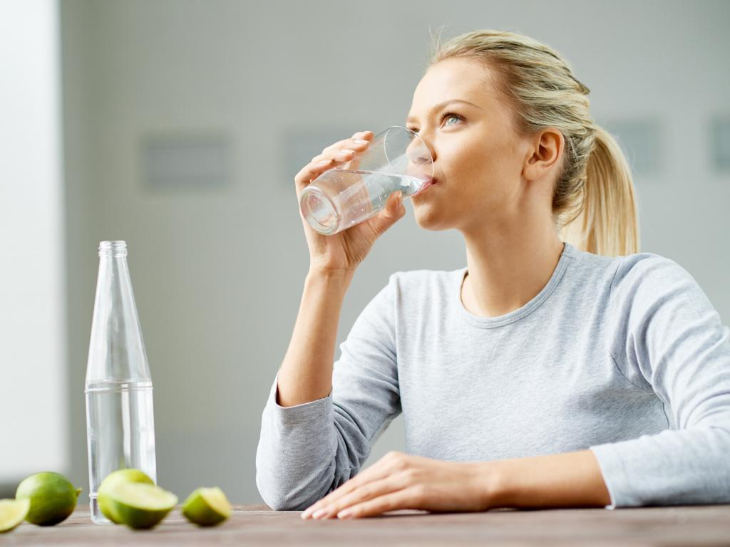 Su İçmenin Faydaları-Selüliti Azaltmak İçin 4 Doğal Yöntem