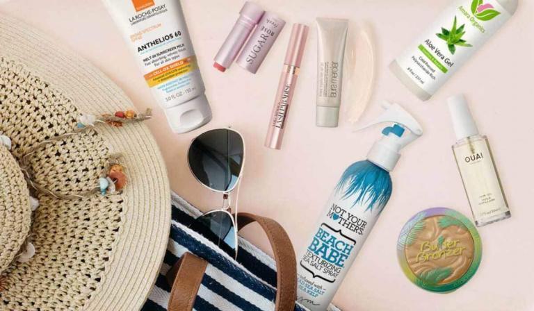 Plaj Çantanızda Olması Gereken 8 Güzellik Ürünü